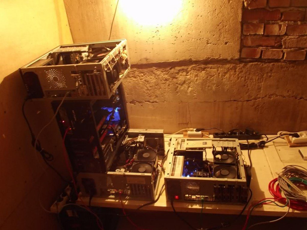 Insane 4 x HD5870 Miner mod