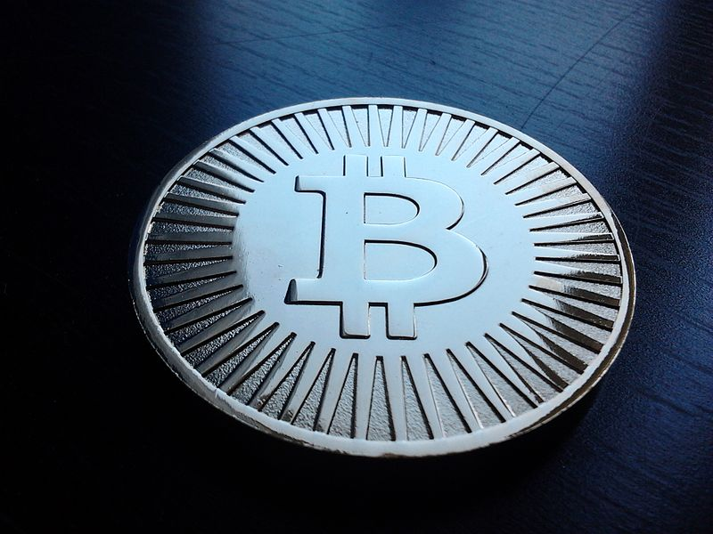 800px-Bitcoin_-challenge_coin-