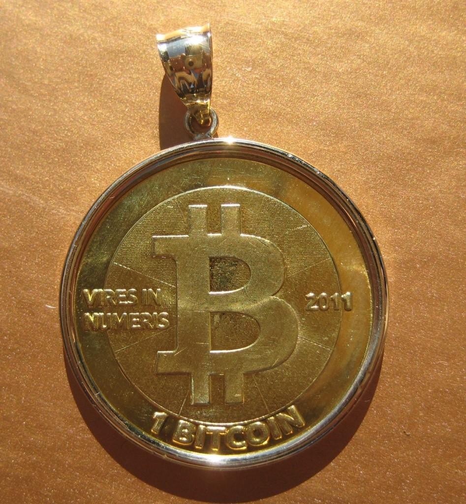 Golden Bitcoin Pendant mod