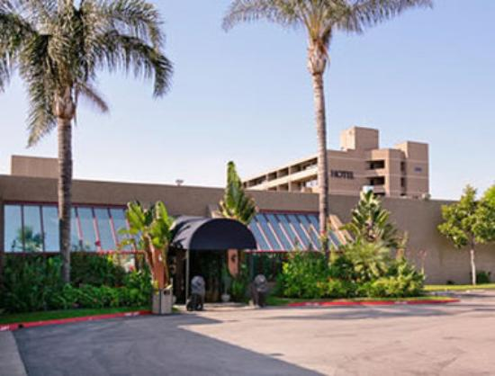 Howard Johnson Hotel and Conference Center mod