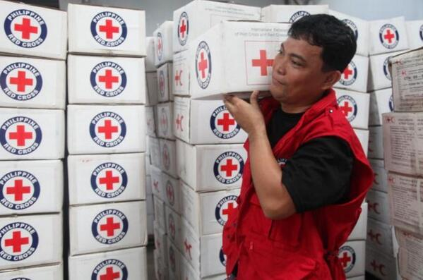volunteers-and-supplies-philippines