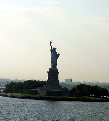 480px-Statue_of_Liberty,_New_York