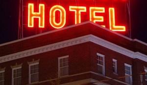 800px-Stonewall_Jackson_Hotel_sign