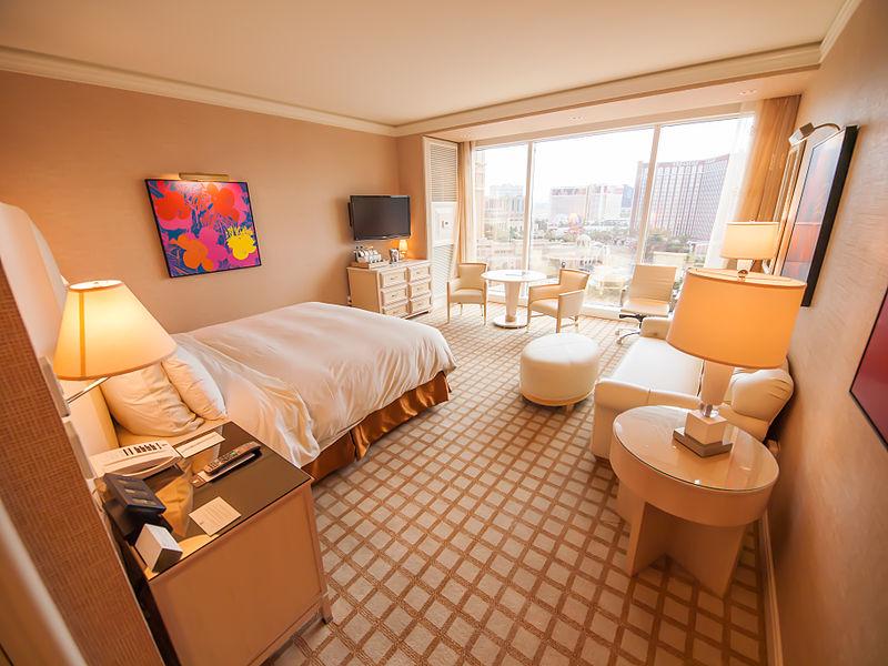 Hotel_Room_(9638499309)