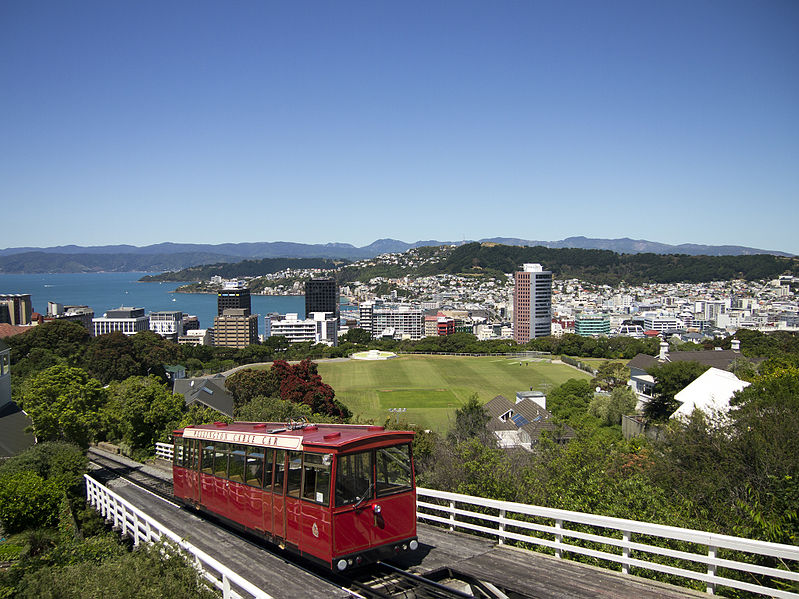 799px-Wellington_city_with_Cable_Car