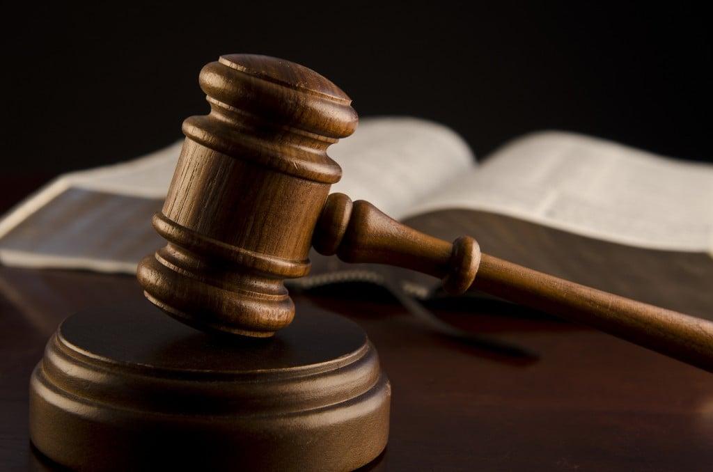 wooden-judges-gavel
