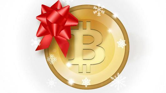 102208129-bitcoin-xmas-800.530x298