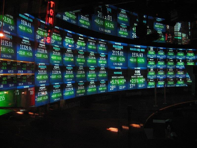 800px-NASDAQ_studio